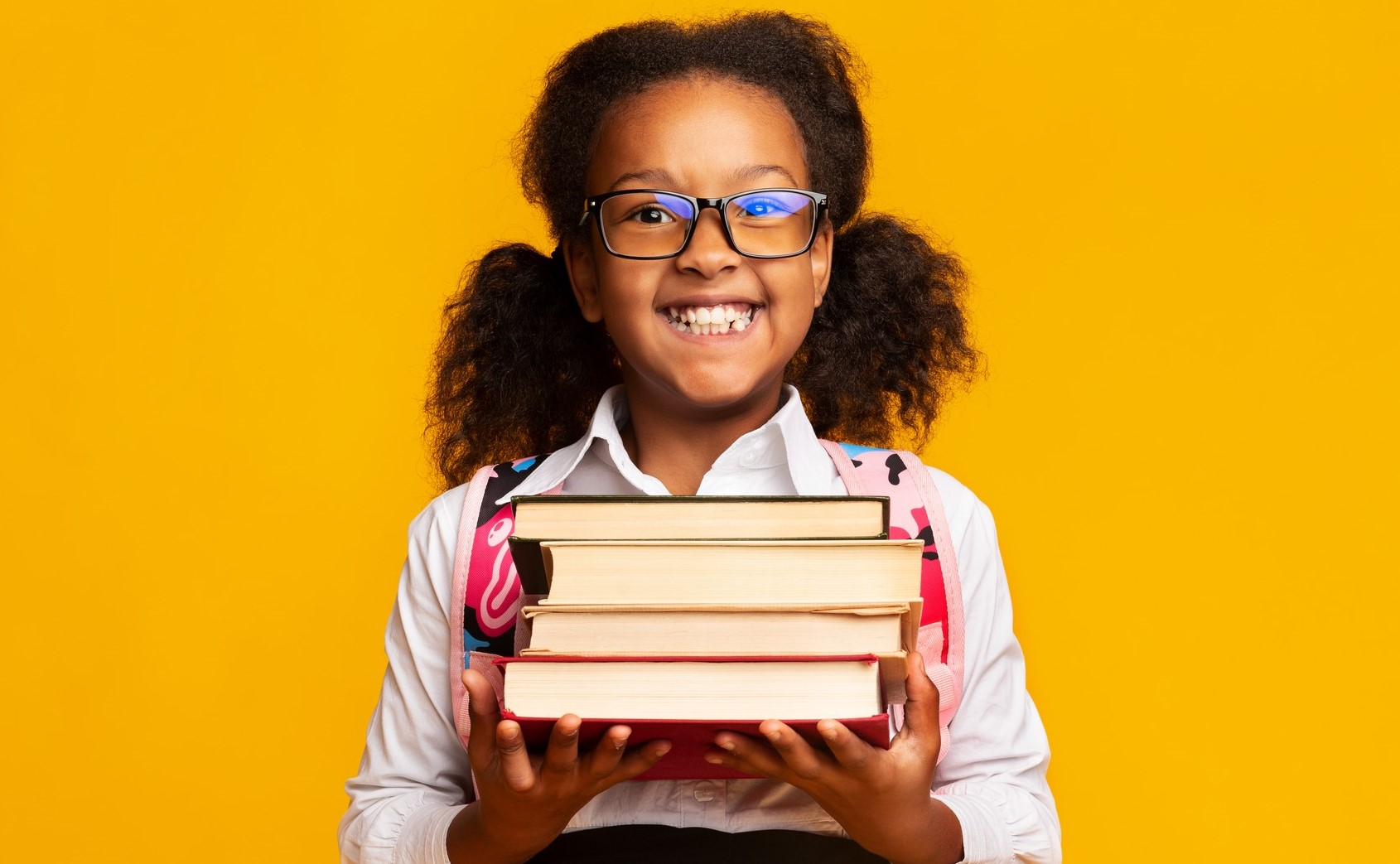 girl-with-books